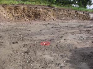 Pohjia kaivattu ja talon paikka merkitty.