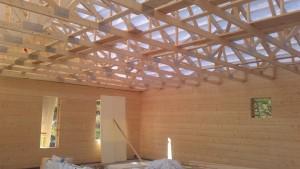 Kuva sisältä vielä ennen kattotiilien asentamista